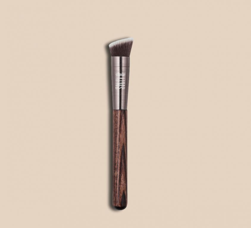 Pincel / Brush – 50 Mini Angled Kabuki